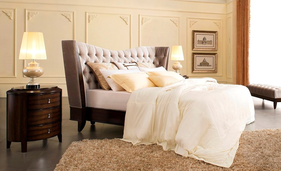 Favorite Bestseller: Bed with headboard from the Mestre collection PG08